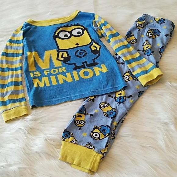 NWT Size S /& M DESPICABLE ME 3 Boys MINION Microfleece 2-Piece Pajama Set